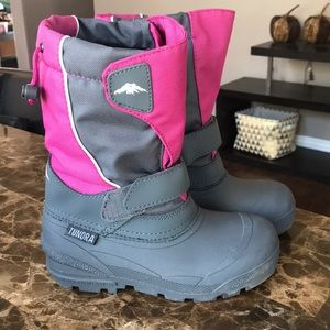 Tundra Quebec girls winter boots - ONLY WORN ONCE